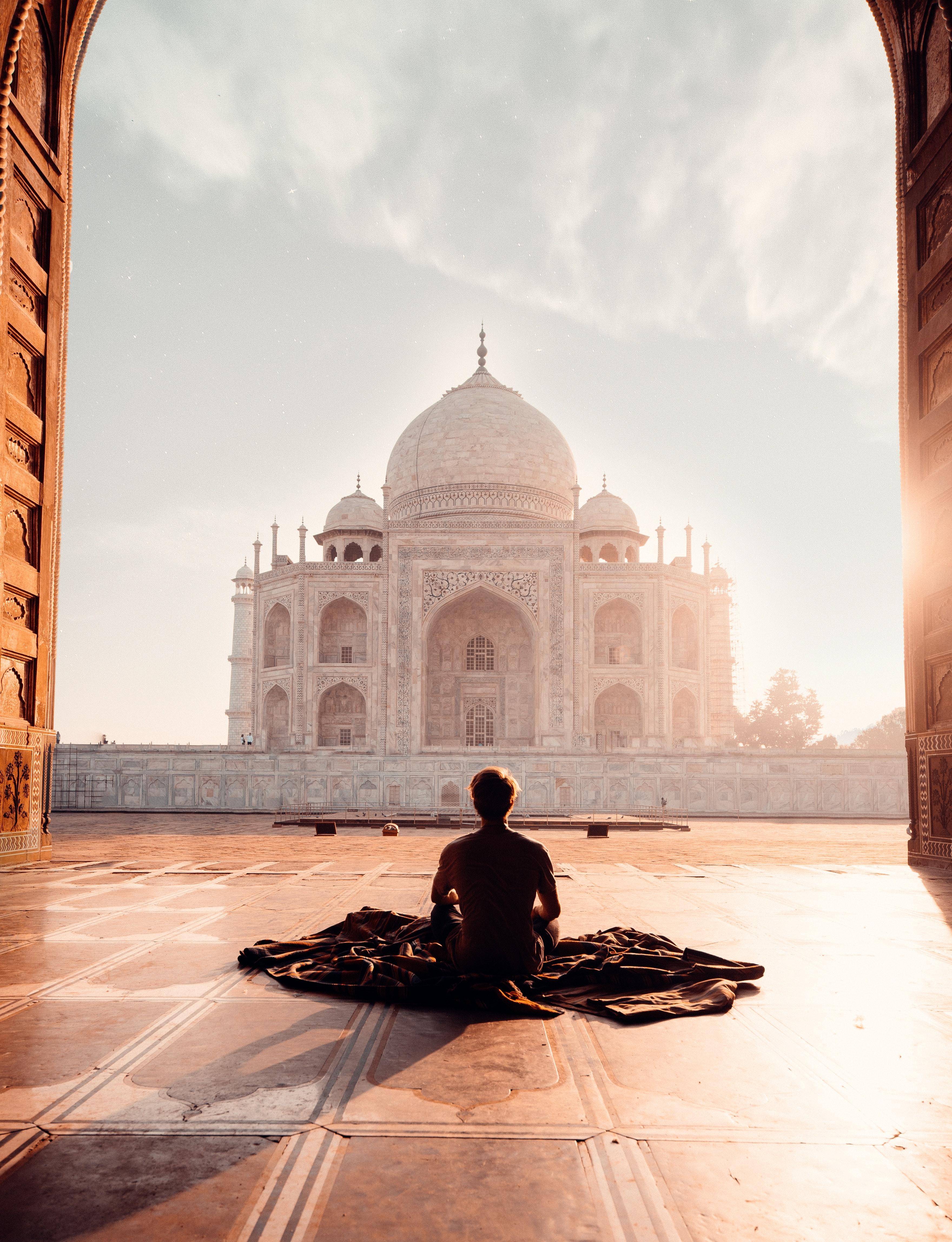 silent meditation retreats guide
