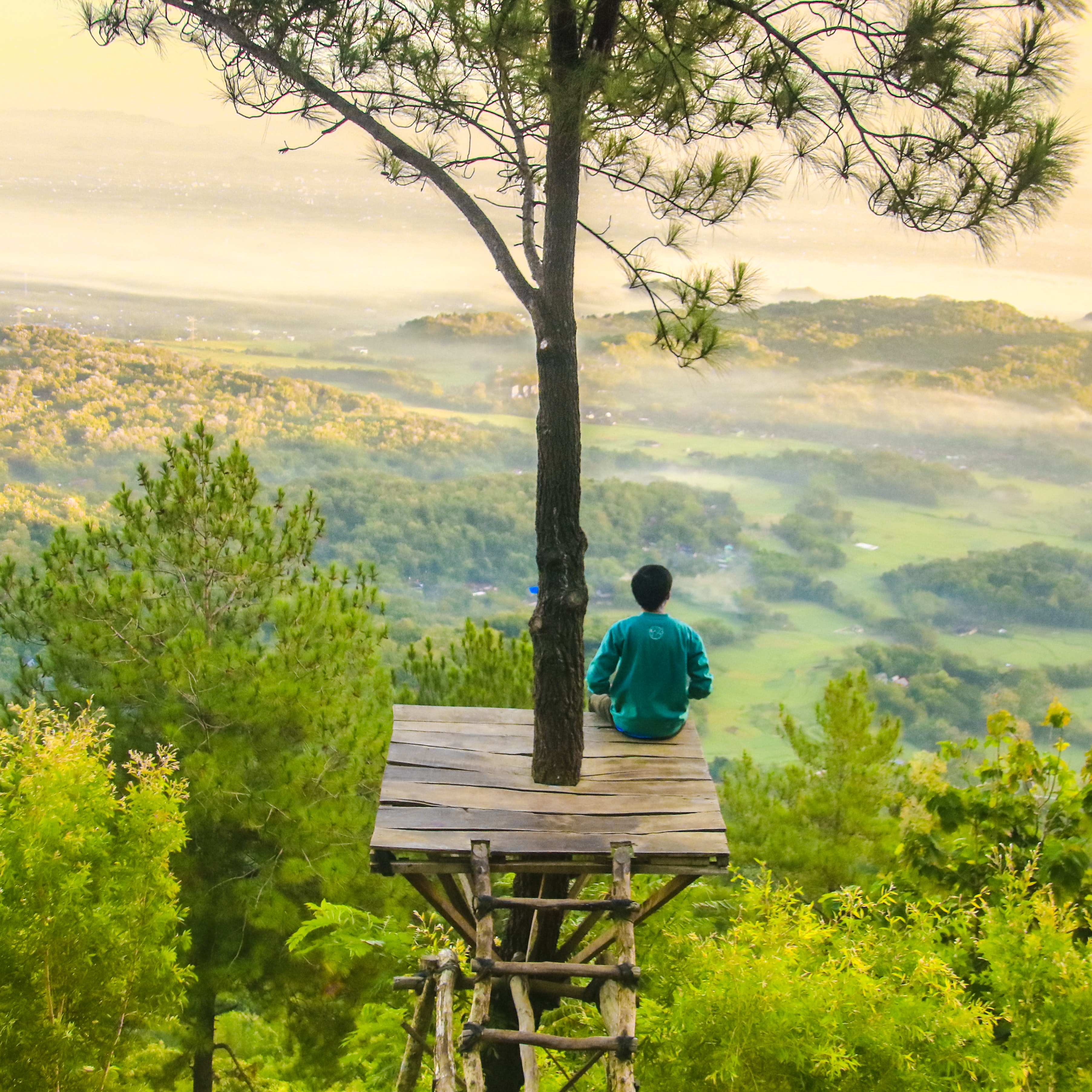 what is a silent meditation retreat?